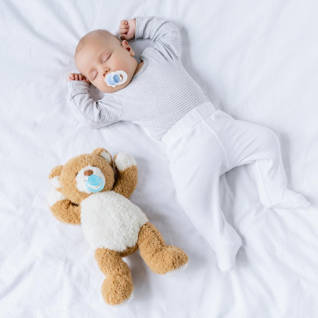 cuidados com o bebe 1024x1024 - Guia prático sobre os cuidados necessários com o recém-nascido