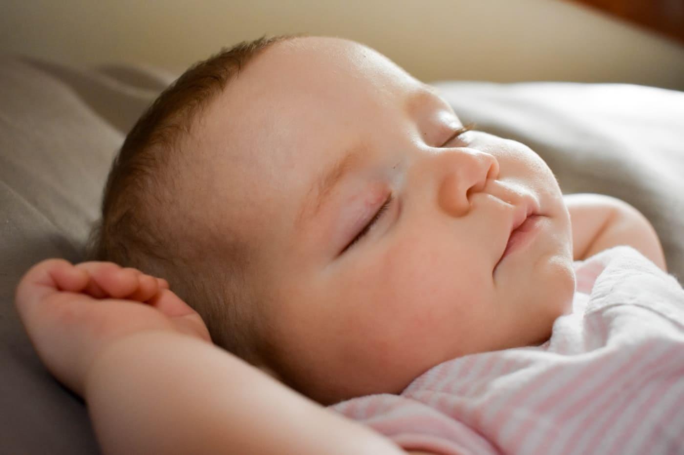 como vestir o bebe para dormir dicas essenciais